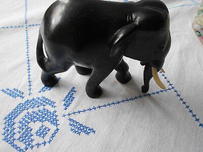 schöne Elefanten-Figur