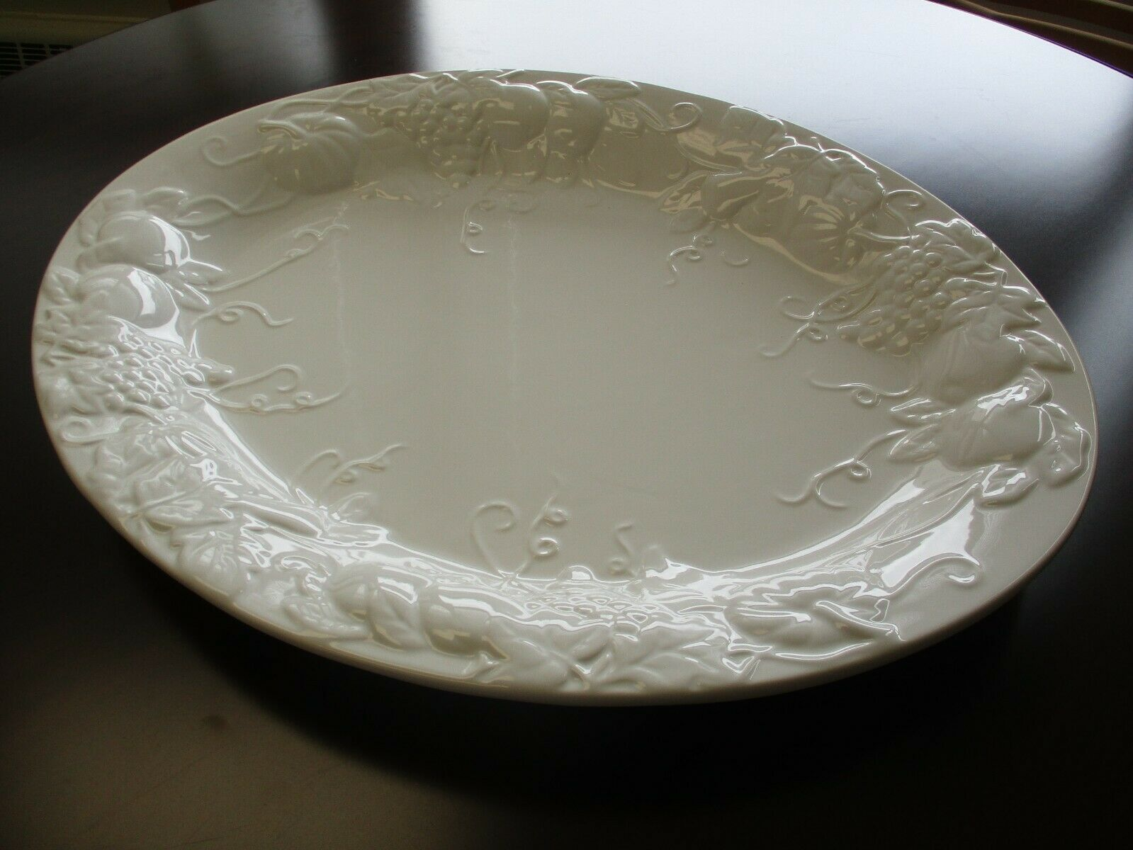 "Tabletops Gallery Harvest 21"" White Oval Thanksgiving Turkey Platter"