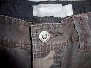MENS NWOT STANDARD CLOTH CAMO CARGO PANTS SIZE 31