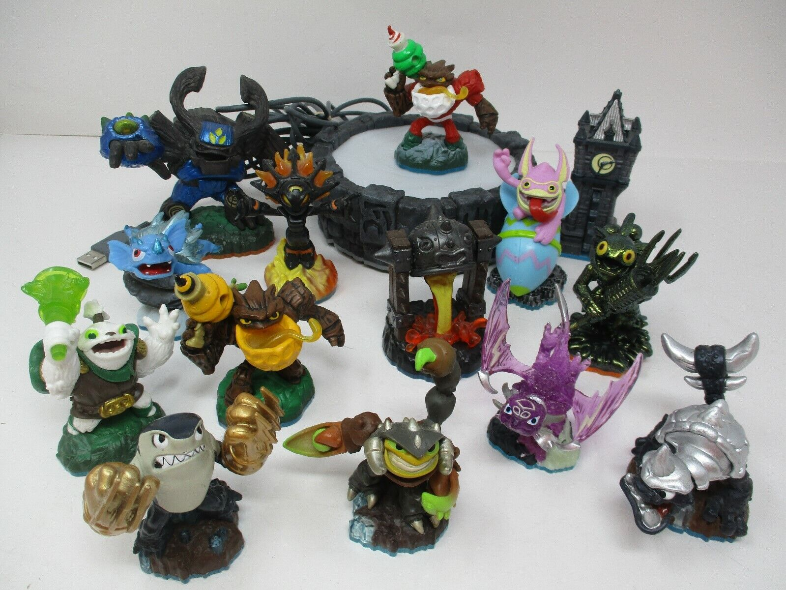 Activision Skylanders Portal Of Power and 14 Action Figures