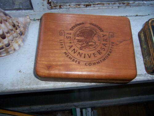 old new north american hunting club 15 anniv knife box in walnut
