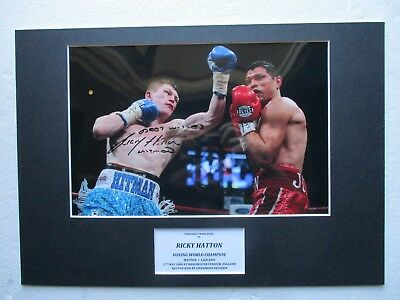 RICKY HATTON WORLD CHAMPION PERSONALLY HAND SIGNED A3 MOUNTED PHOTO DISPLAY- COA