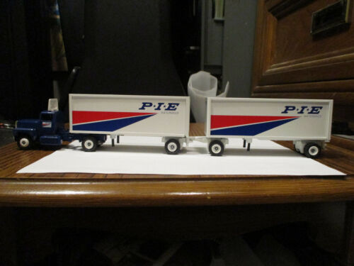 WINROSS TRUCK MIB PIE NATIONWIDE DOUBLES