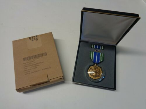 NEW U.S. Army Achievement Medal Decoration Set