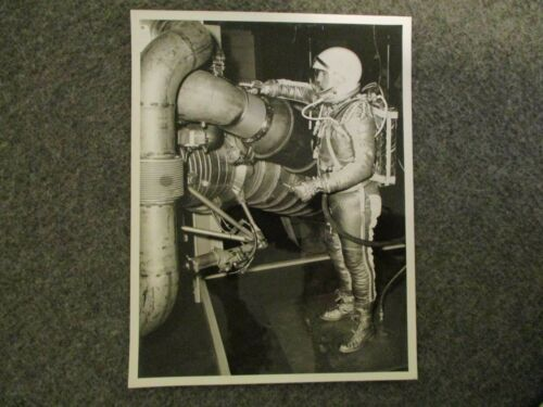 1961-62 NASA MSFC 1st GEN B/W PHOTO SIMULATION SATURN H-1 ENGINE TEST M61-2618-6