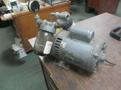 Gast Vacuum Pump 0822-V144-G271X 1/2HP 1800RPM 115/230V 8.4/4.2A 60Hz 1Ph Used