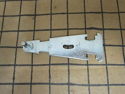 Franklin Chef Icemaker Top Hinge  1860413300  **30 DAY WARRANTY Franklin Chef Appliances