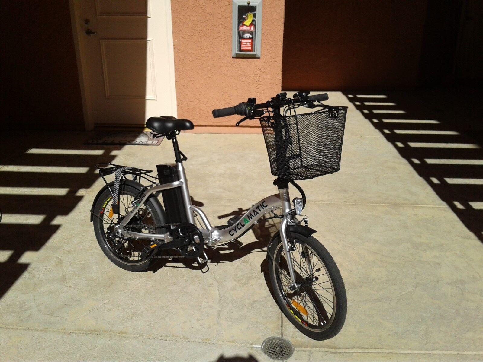 Cyclamatic CX2 6Gear 20 inch Folding e-Bike Front Basket Spe