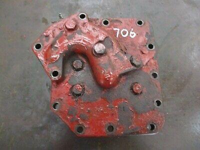 Ih Farmall 706 Hydraulic Pump Cover Mounting Bracket 382751r1 Antique Tractor