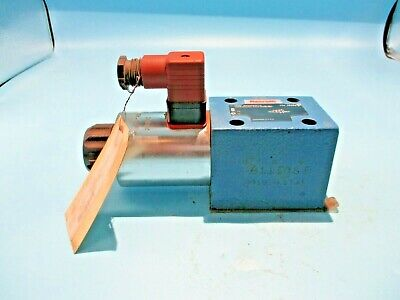 New Rexroth R900593676 Hydraulic Solenoid Valve 4we-10d33 24v Coil