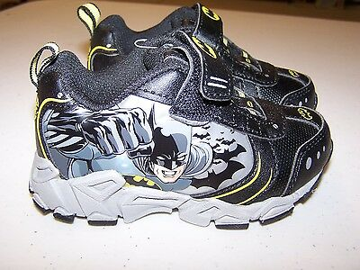NEW BATMAN  Light-Up Sneakers Shoes Boys Size 5 FREE SHIPPING