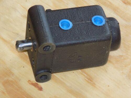 Vickers C 572 E Hydraulic Directional Control Valve