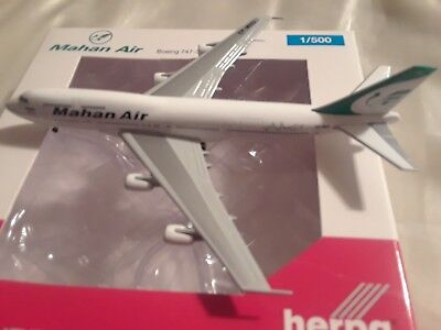 1:500 herpa wings  Mahan Air   -