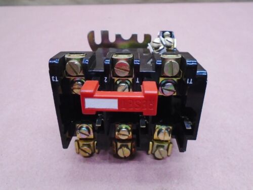 NEW Square D 9065 SE0-5 Thermal Overload Relay 600 Volt AC 30 Amp
