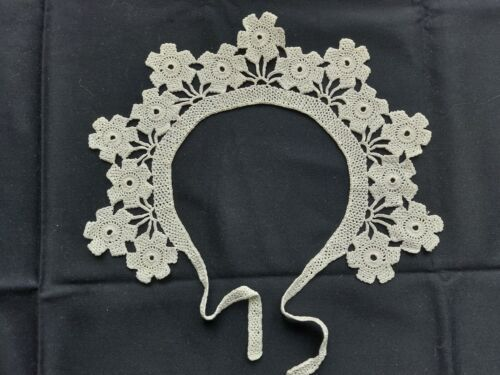 Beautiful Vintage Handmade Crocheted Lace Collar 100% Cotton White Art Deco