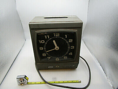 Vintage Punch Cincinnati Time Clock- Needs New Ink Roller No Key Runs