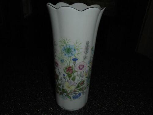 "Aynsley Wild Tudor Pattern Gold Trimmed 8 1/2"" Vase Fine Bone China England"