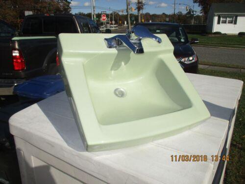 VINTAGE ANTIQUE PORCELAIN AMERICAN STANDARD LIGHT GREEN  BATHROOM SINK  CAN SHIP