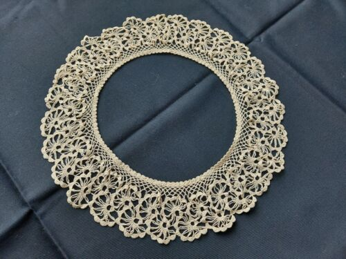 Antique Beautiful Vintage VICTORIAN Handmade Crocheted Lace Collar Cotton Beige