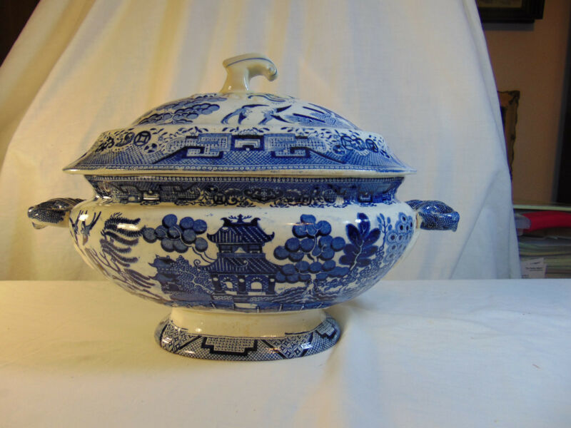 Blue Willow Soup Tureen Circa 1900-1920