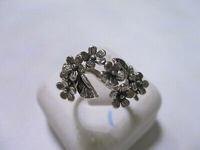Sterling Silver flower style ring with flower bunch for every occasion size 7 Bunch Sterling Silver Ring