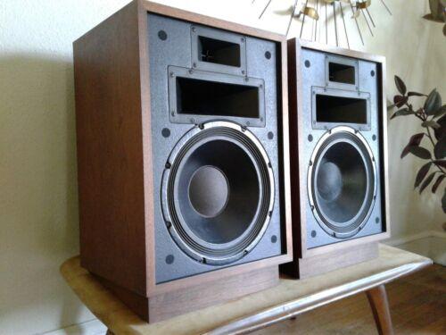 Pair of Vintage Klipsch Heresy II Speakers 2 w/ Klipsch risers- consecutive SN