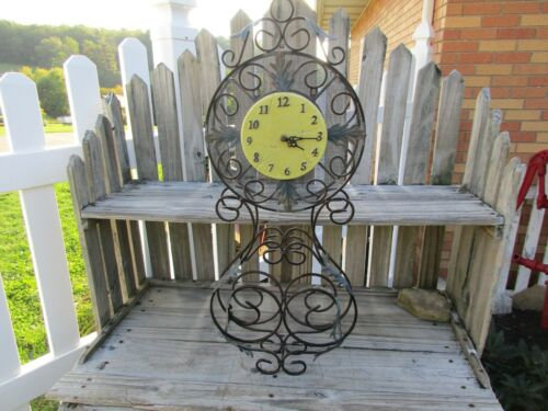 MID CENTURY ALL METAL CLOCK/BATTERY OPERATED