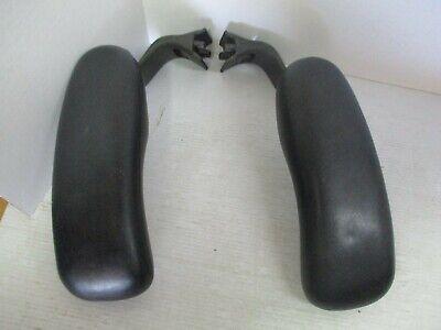 Herman Miller Aeron Chair Size C Large Black Part - 2 Padded Arms