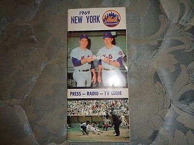 1969 NEW YORK METS MEDIA GUIDE WORLD CHAMPIONS Baseball Yearbook Program  Book AD