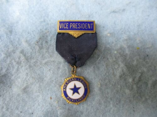 WWI American Legion Medal Vice President Bar Auxiliary Pin Back Marked WW1