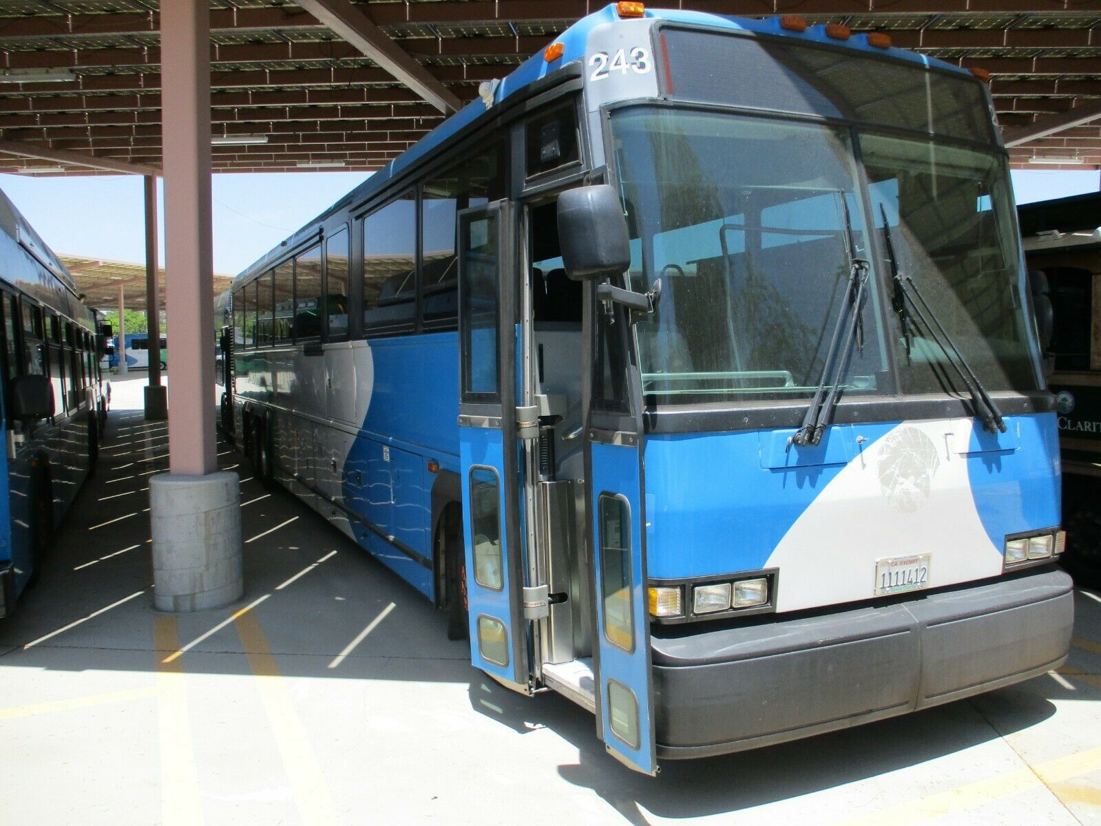2004 MCI D4500 Highway Coach 47 Passenger Bus - One Owner, Well Maintained
