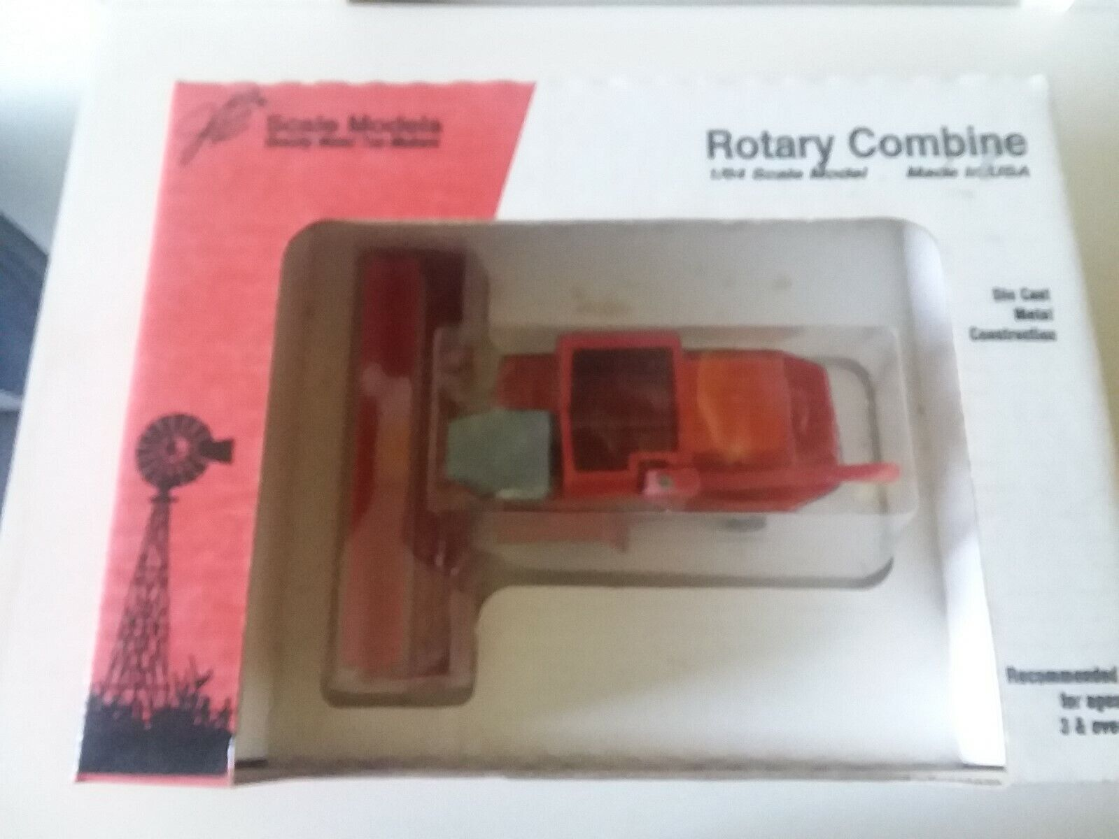 Massey 8590 Rotary Combine 1/64 scale #FT-0815