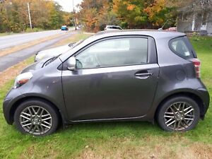 Scion IQ 2013 Lady driven, Low KM, MVI'd.