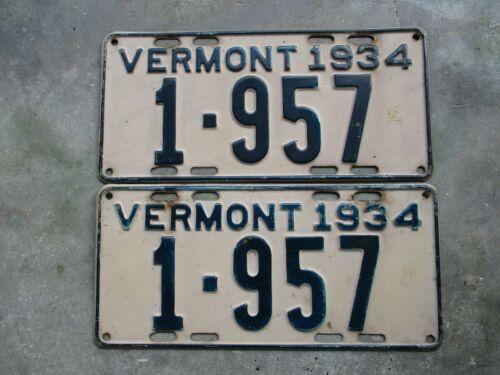 Vermont 1934 license plate pair  #    1 - 957