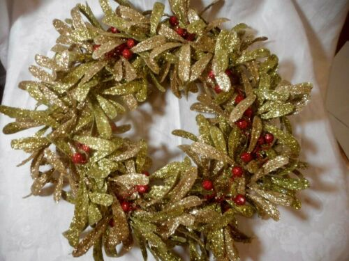 Vintage Christmas Wreath Plastic Leaves & Berries Gold/Green Glitter 14""