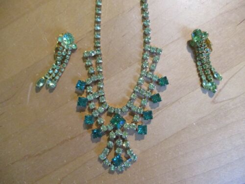 Vintage GREEN Rhinestone Gold backed NECKLACE & Clip On EARRINGS Set