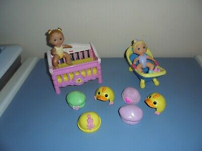 Fisher Price 2006 Snap N Style Dolls Baby Crib  Hats  Bathtub