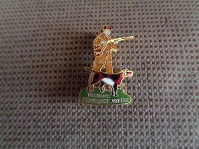 """Tennessee JayceesDAVY CROCKETT OLE RED COONHOUND onCoon Hunt 1 1/2"""" Pin"""