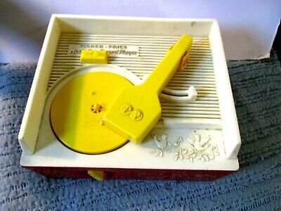 1971 Fisher Price Wind Up Music Box Record Player with 5 Records Working