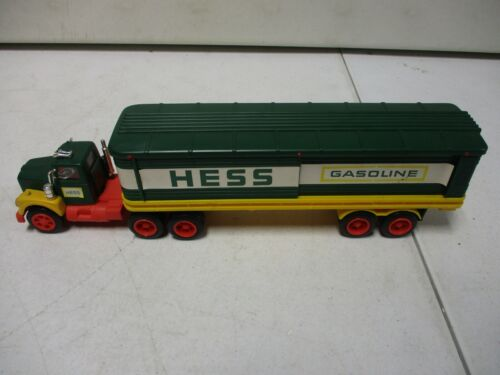 1975 Hess Toy Truck with Barrels 5/25
