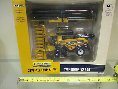 New Holland Twin Rotor CR8.90 Combine 2018 Fall Farm Show by Ertl 1/64th Scale