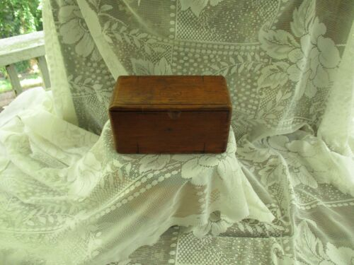 ANTIQUE-SINGER-1889- SEWING MACHINE WOODEN DOVETAIL FOLD OUT BOX&PARTS-EUC