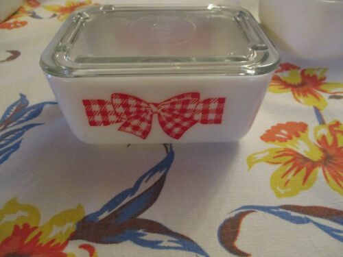 Mckee Bow Tie Red Small Fridgie!