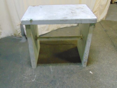 "Acid / Fireproof Laboratory Work Bench 375 lbs 35"" x 24"""