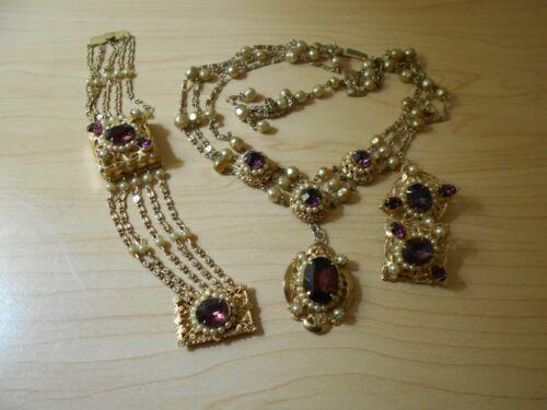 A beautiful VINTAGE Parure - 3 piece set - clip earrings, bracelet, and necklace