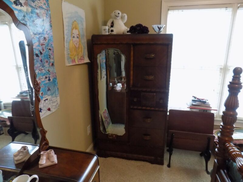 Antique bedroom furniture, very good condition