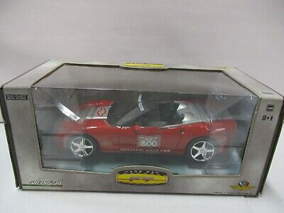 Greenlight Race Car Garage Chevrolet Corvette Indy 500 Pace Car 1/24