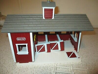 Breyer Stablemates Little Red Stable Barn