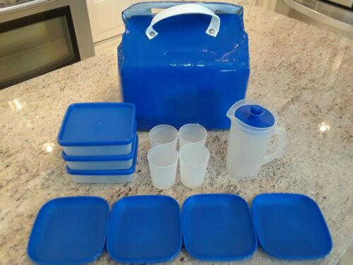 VINTAGE TUPPERWARE TOYS  CHILDRENS BLUE PICNIC SOFT PLASTIC TOTE/COOLER PLAYSET