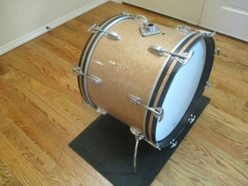 Vintage Ludwig Super Classic 20 X 14 Bass Drum, Champagne Sparkle - Very Nice!